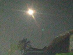 """Fenomena Langka """"Blue Moon"""" Bulan Biru 2024"""