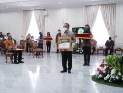 "Sukses Penuhi Kebutuhan Pangan Nasional, Herman Deru Dianugerahi Penghargaan ""Abdi Bakti Tani 2021"""