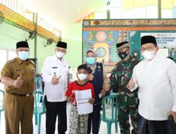 Wagub Mawardi Pantau Pemberian Vaksinasi Untuk 6 Ribu Santri di Sumsel