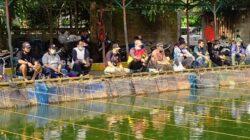 Mancing Mania Kolam Pemancingan AINI berlokasi di Jalan Seruni, Blok C 38, Kel Bukit Lama, Kec Ilir Barat Satu, Kota Palembang, Minggu (5/9/2021)