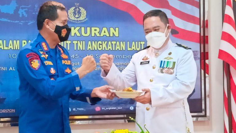 Serbuan Vaksinasi Dosis pertama dan kedua, di Posmat TNI AL, 1 Ilir Palembang, Kamis (9/9/2021)