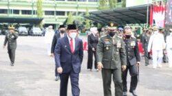 Herman Deru di saat menghadiri upacara virtual dan syukuran peringatan HUT TNI ke 76 Tahun di gedung Sudirman Kodam II Sriwijaya, Selasa (5/10).